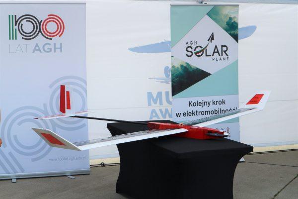 samolot solarny