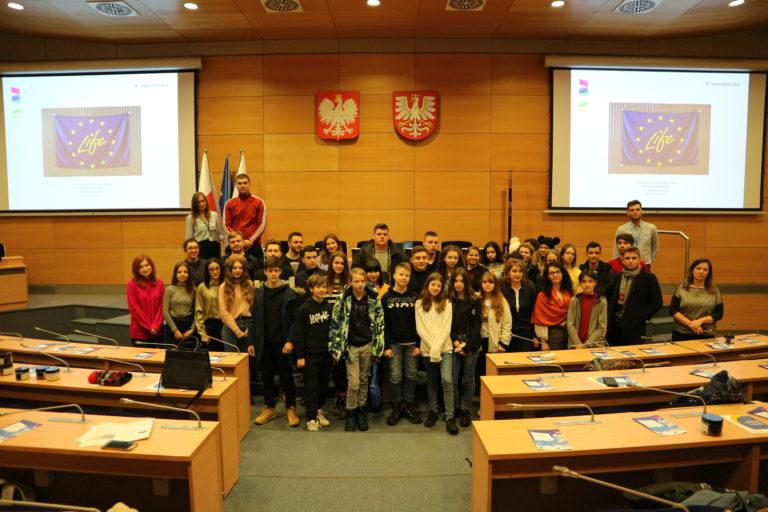 młodzież z ECM